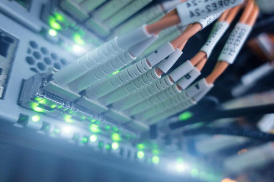 Optische Kabel in Netzwerkgeräten